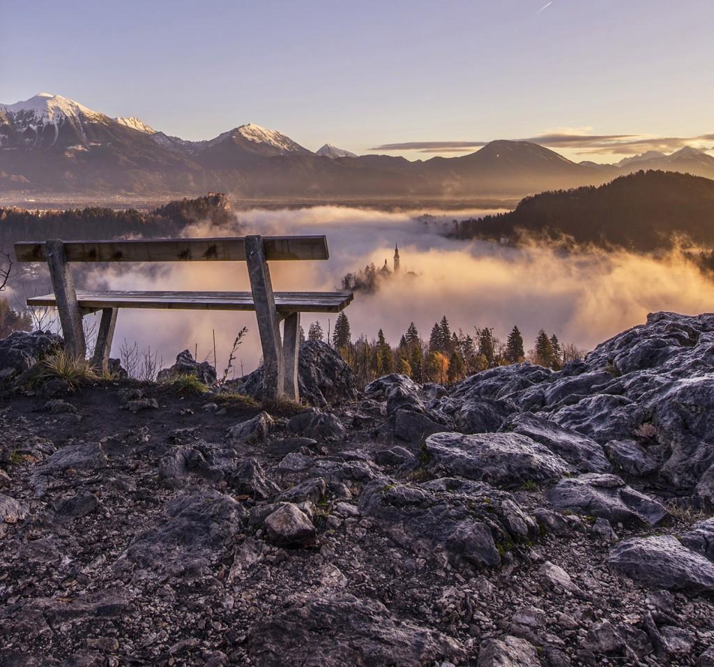 09-bled-foggy-sunrise-early-morning