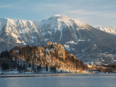 bled-castle-winter-morning