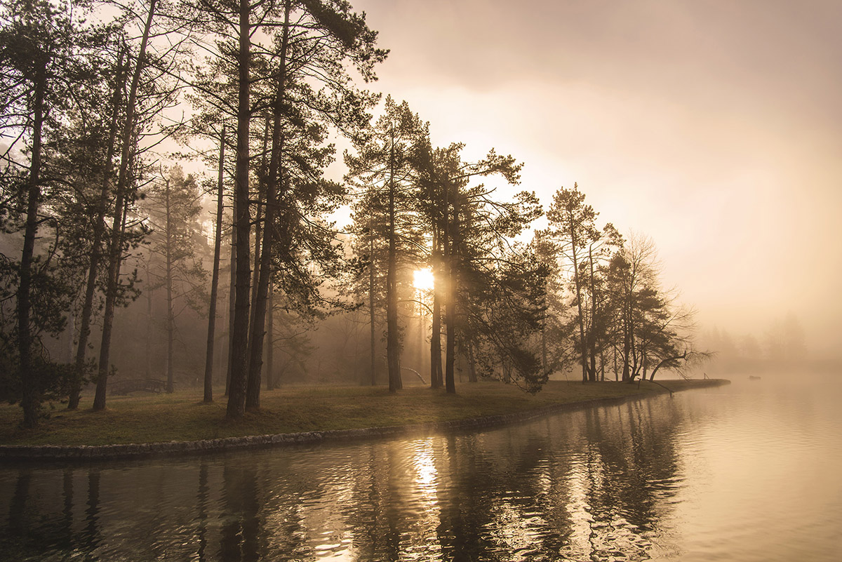 mystic-sunrise-at-lake-sobec