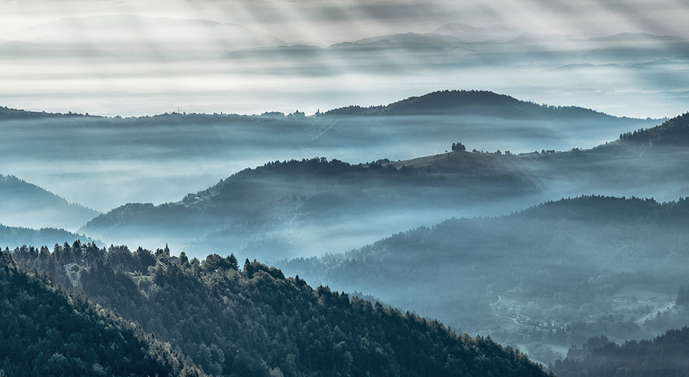 Misty morning in the hills