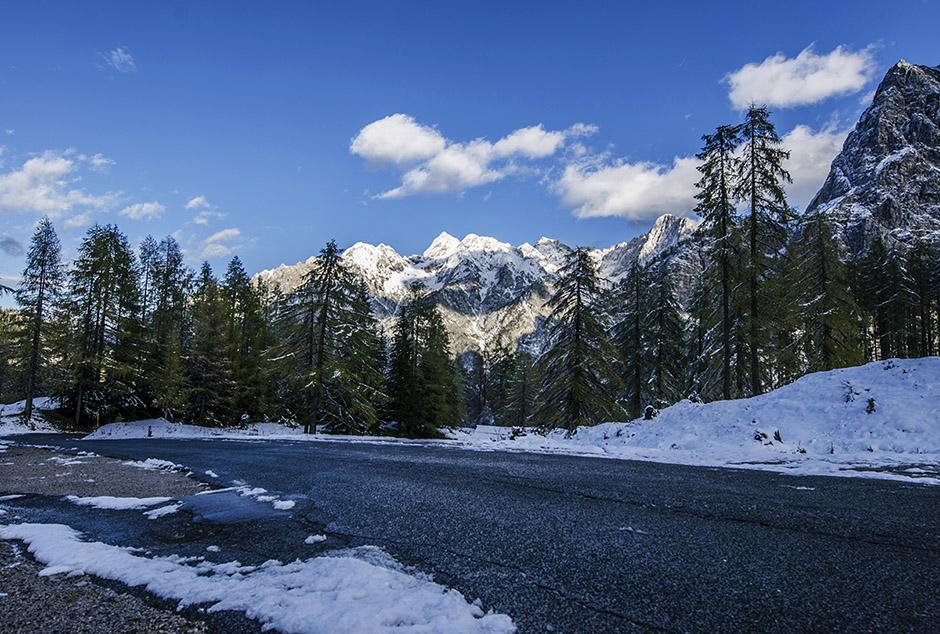 mountain-pass-landscape-photography-1
