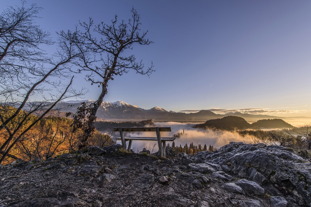 08-bled-foggy-sunrise-early-morning
