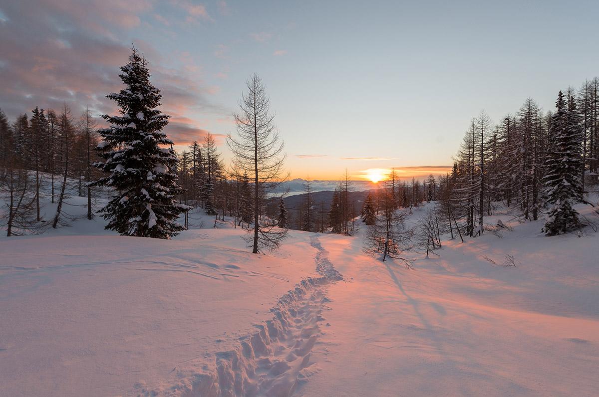 sunrise-on-the-way-to-visevnik-hill
