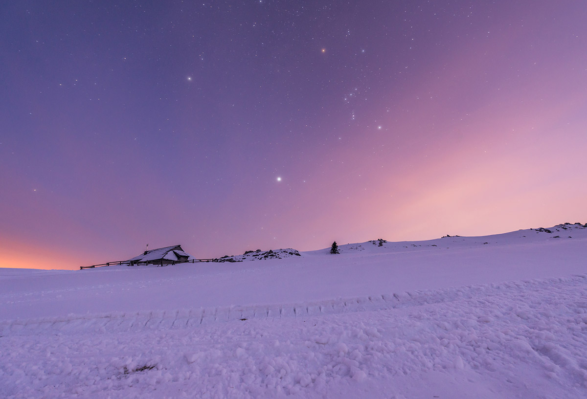 Velika-planina-winter-night